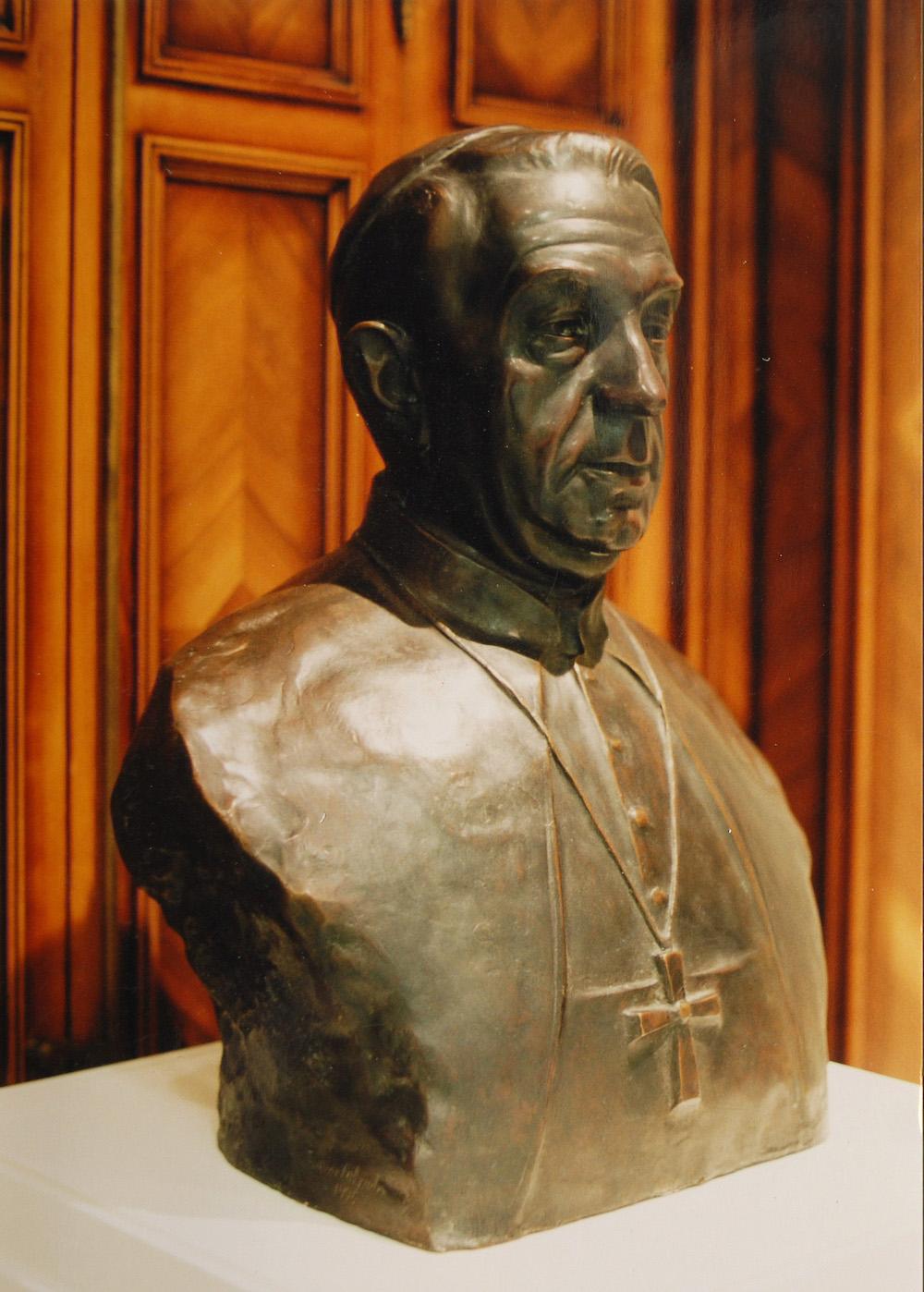 Bronze bust of the Cardinal Tarancon