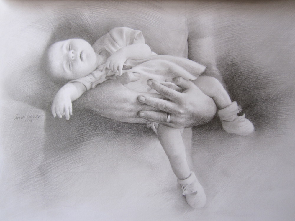 Dibujo a lápiz (grafito) de un bebé en brazos de su madre