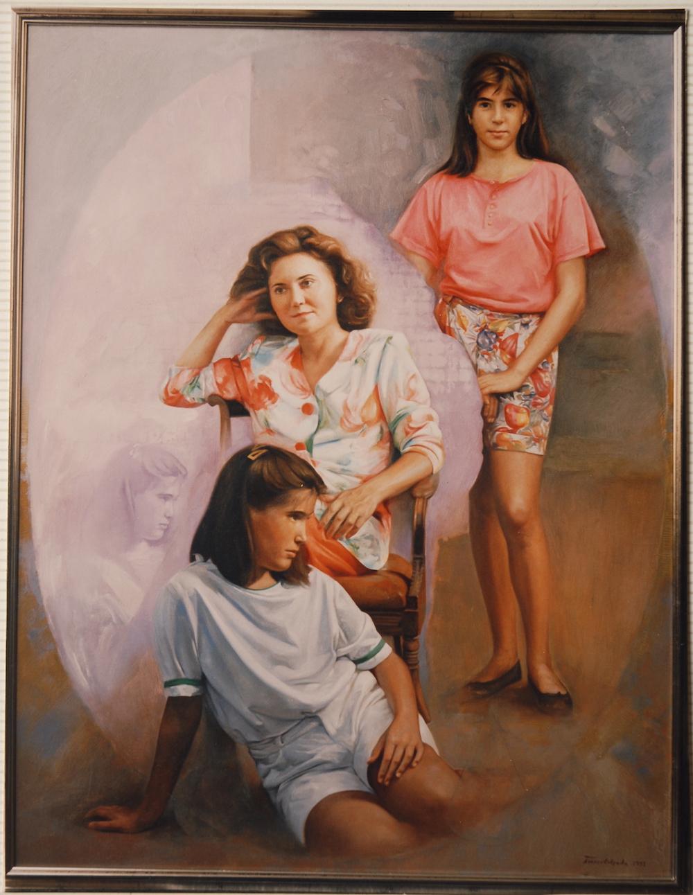 Madre con sus dos hijas