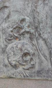 Detalle puerta panteón 6 TRAVER CALZADA